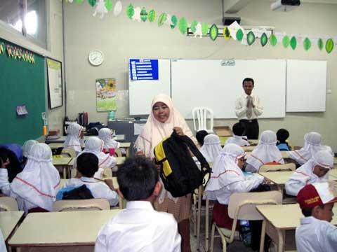 Obrolan di Bawah Rindangnya Cemara (12): Kelemahan Sekolah Agama Terpadu
