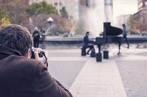 man-people-art-taking-photo_300